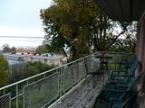 バルコニーからの景色は清々しいのですが...